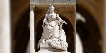statua regina vittoria